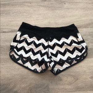 COPY - Lululemon Hotty Hot Short
